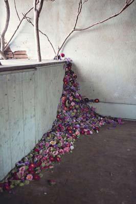 abandoned-flower-house-detroit-lisa-waud-honargardi (7)