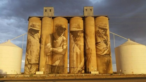 street-artist-paints-amazing-mural-on-old-30m-silos-4__880