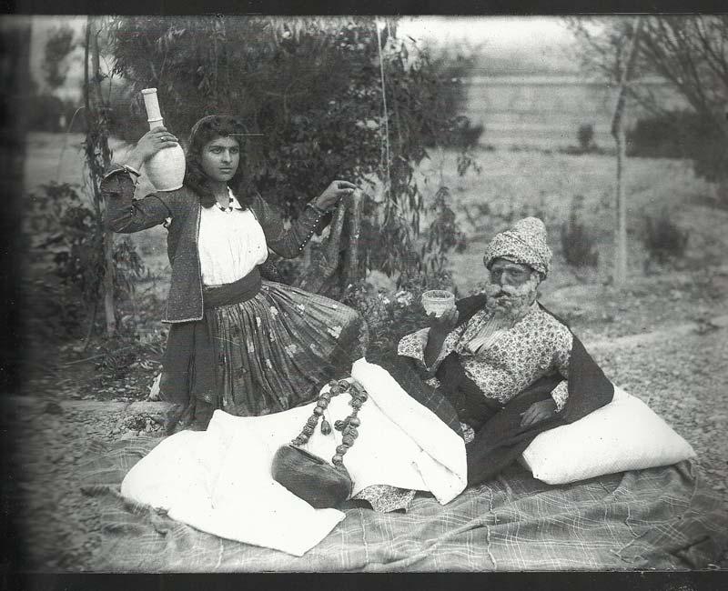 عکاسی مستند از ارنست هولستر تا پریسا دمندان