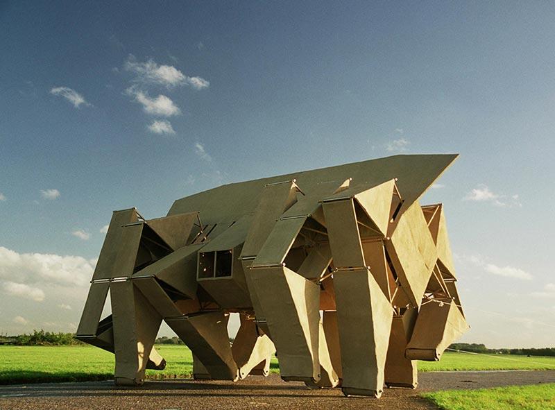 مجسمه های بادی