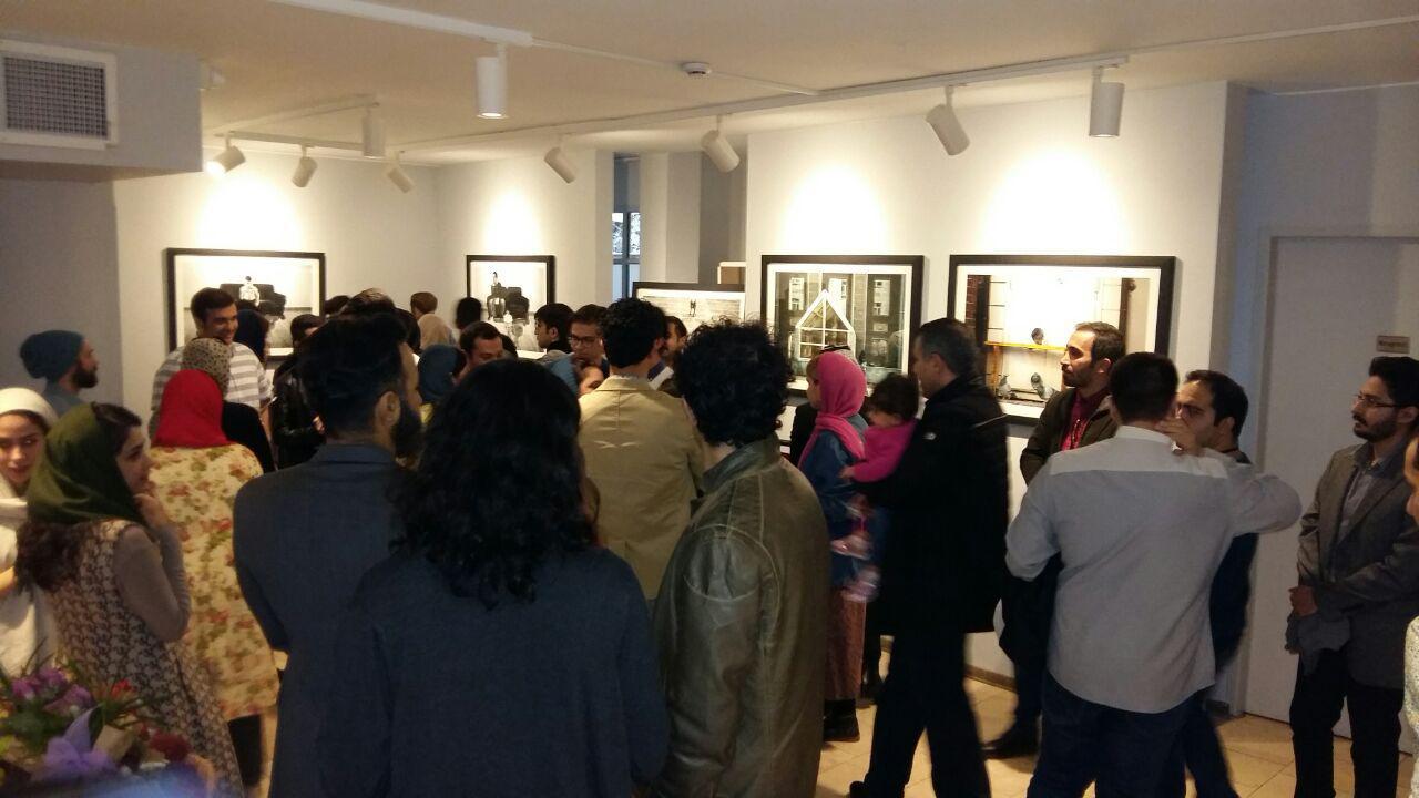 """نمایشگاه گروهی عکاسی """"تَن ها"""" در نگارخانه علیها"""