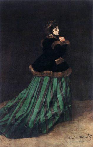 زنی در لباس سبز