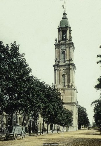 "(GERMANY OUT) View of the belltower of the baroque ""Garnisonskirche"" (garrison church) in Potsdam (1732 - 35); heavily destroyed during World War II; pulled down in 1968 - colorized picture; undated (around 1900) (Photo by DHM/Kaiserpanorama/ullstein bild via Getty Images)"