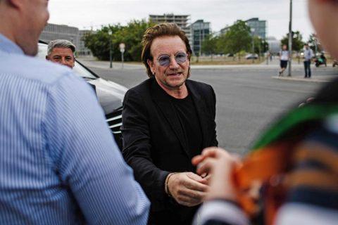 کنسرت گروه یوتو در میانه اجرا لغو شد