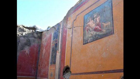 دیوارنگاره نارسیس در پمپئی یافت شد